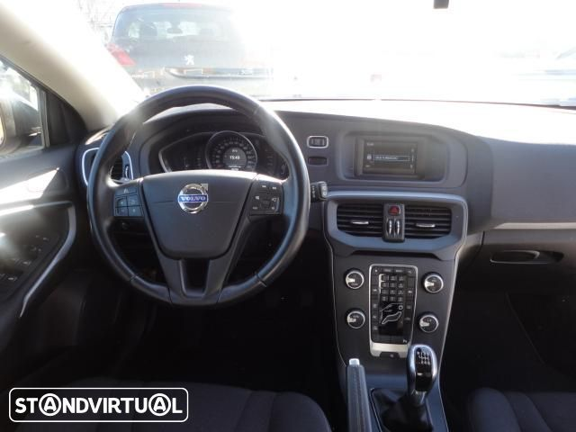 Volvo V40 Cross Country 1.6 D2 Kinetic - 13