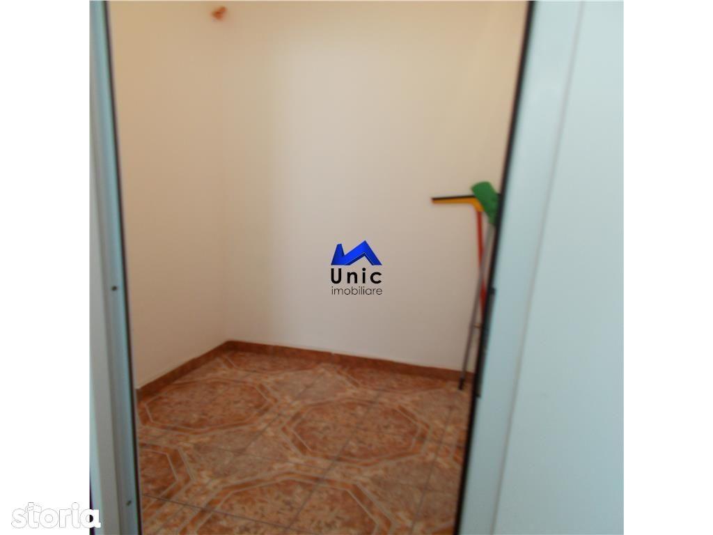Apartament de vanzare, Dâmbovița (judet), Micro 4 - Foto 17