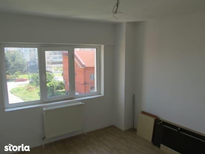 Apartament de vanzare, Dâmbovița (judet), Micro 4 - Foto 2