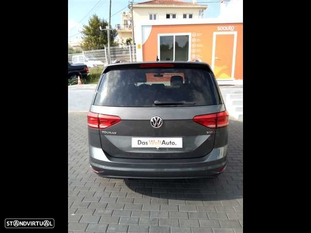 VW Touran 1.6 TDI Confortline - 11