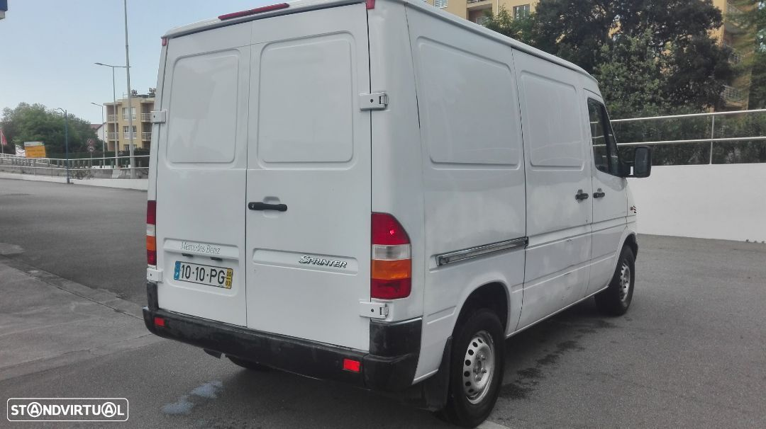 Mercedes-Benz 208 CDI sprinter - 4