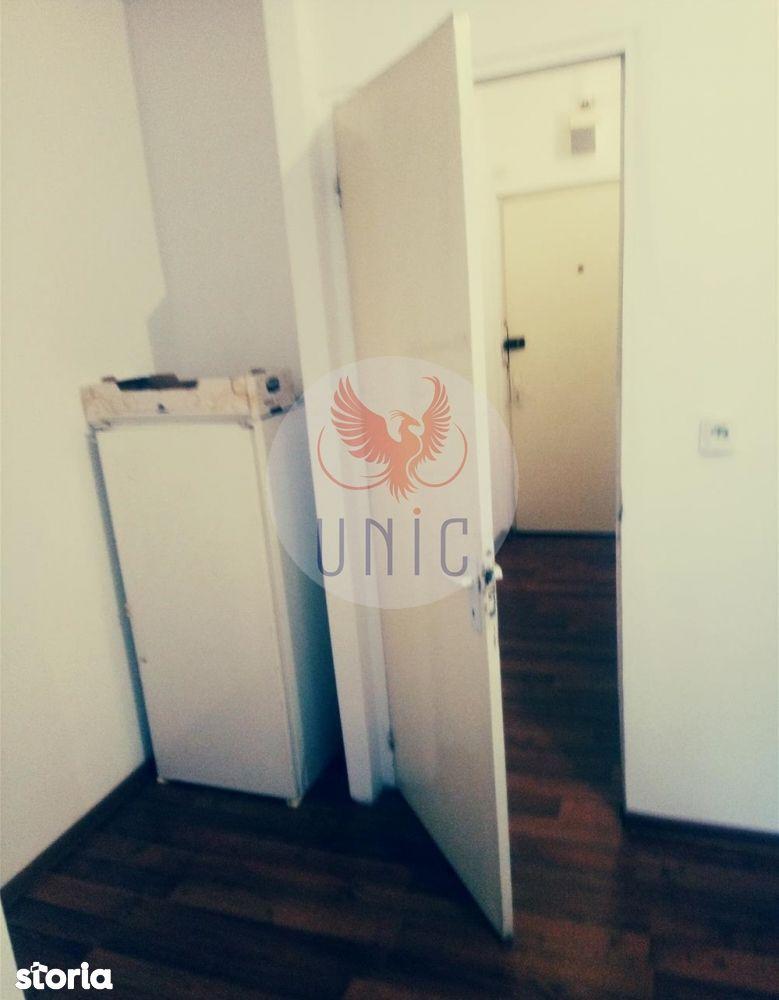 Apartament de vanzare, Dolj (judet), 1 Mai - Foto 1