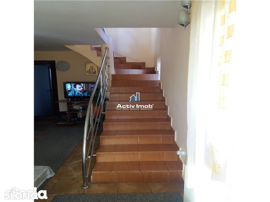 Casa de vanzare, Olt (judet), Strada Profesor Marin Alexe - Foto 12