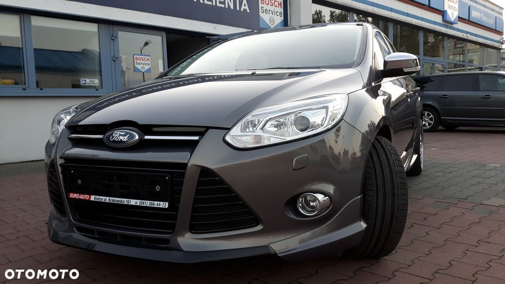 Ford Focus 1.6 benzynowy ( Eco Boost) , wersja INDIVIDUAL - 13