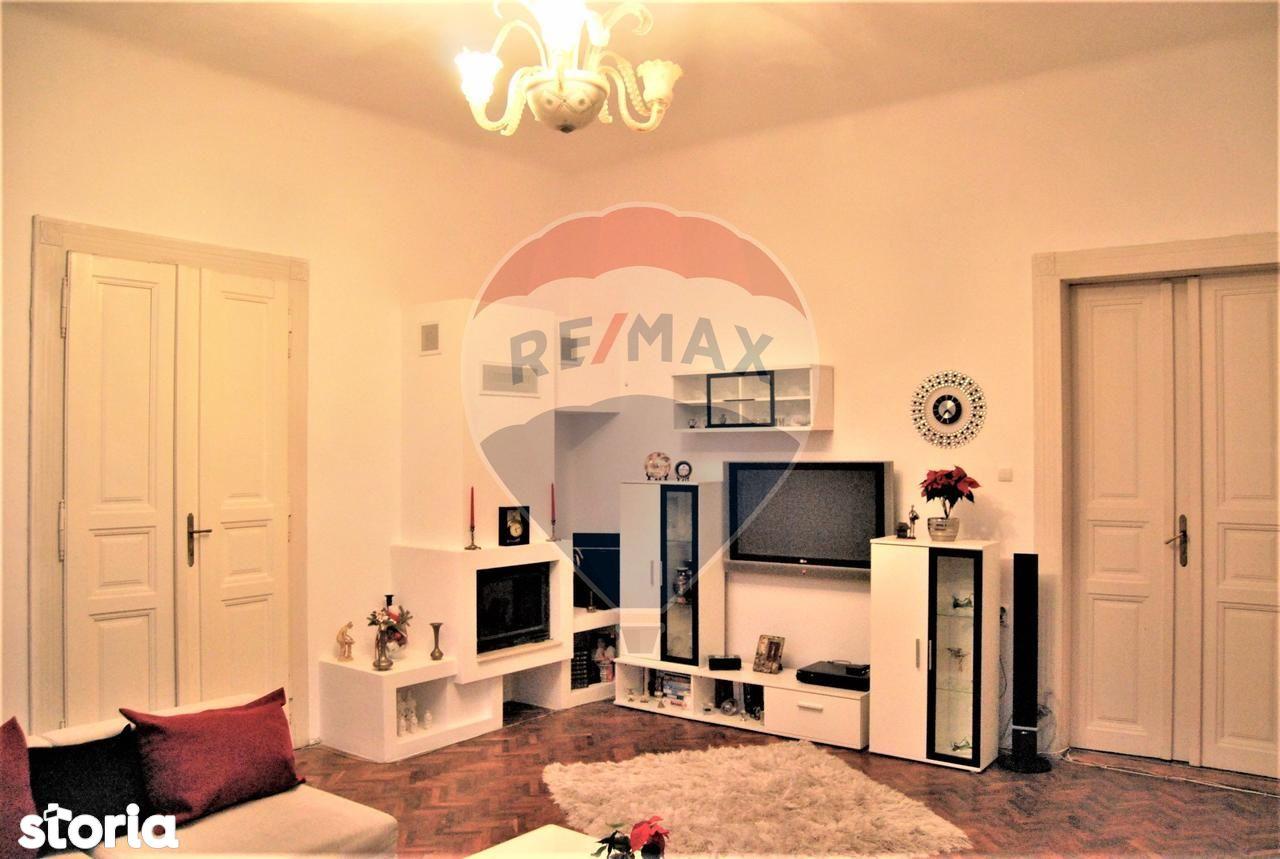 Apartament de vanzare, Bihor (judet), Strada Iosif Vulcan - Foto 2