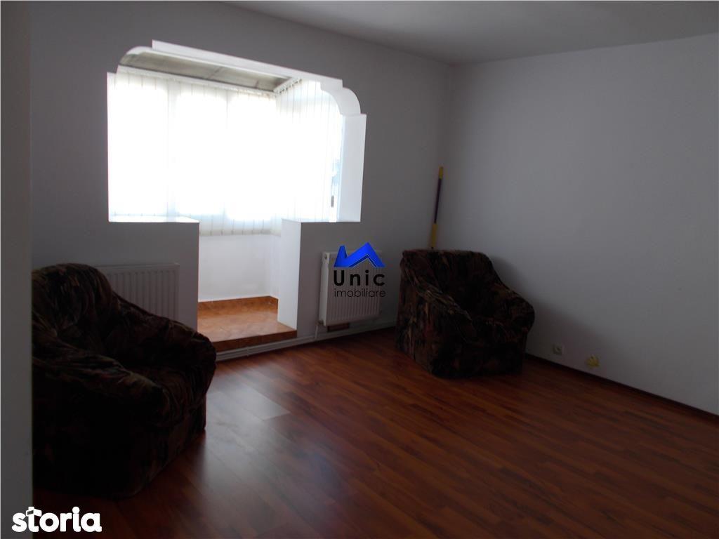 Apartament de vanzare, Dâmbovița (judet), Micro 4 - Foto 1