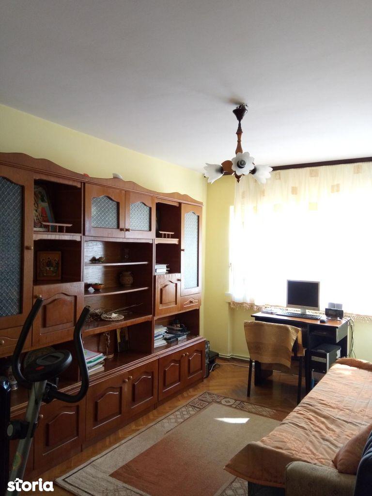 Apartament de vanzare, Argeș (judet), Căpăţânenii Pământeni - Foto 3