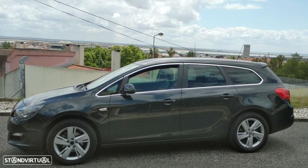 Opel Astra Sports Tourer 1.6 CDTi Executive S/S - 23