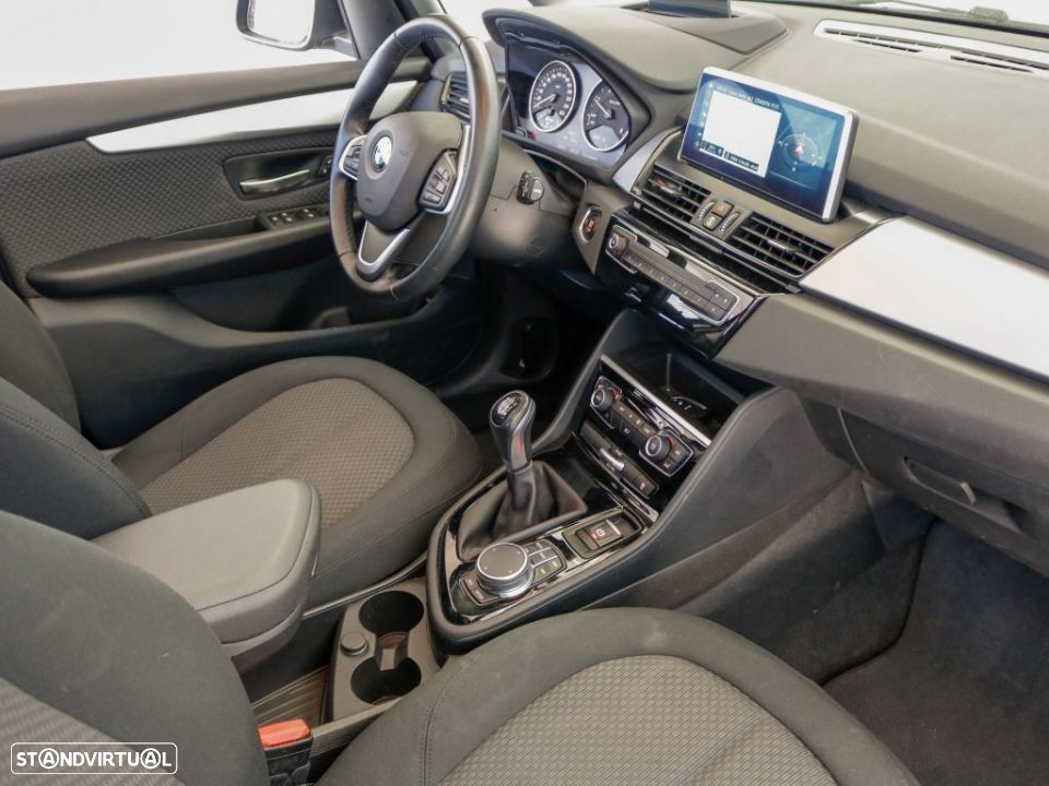 BMW 216 Active Tourer d - 3