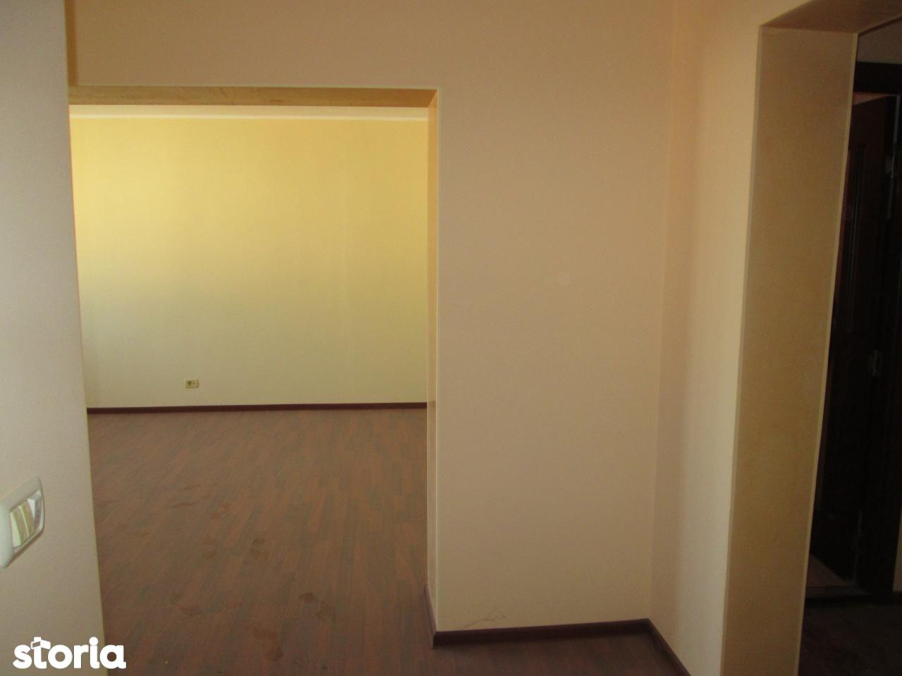 Apartament de vanzare, Vrancea (judet), Focşani - Foto 12