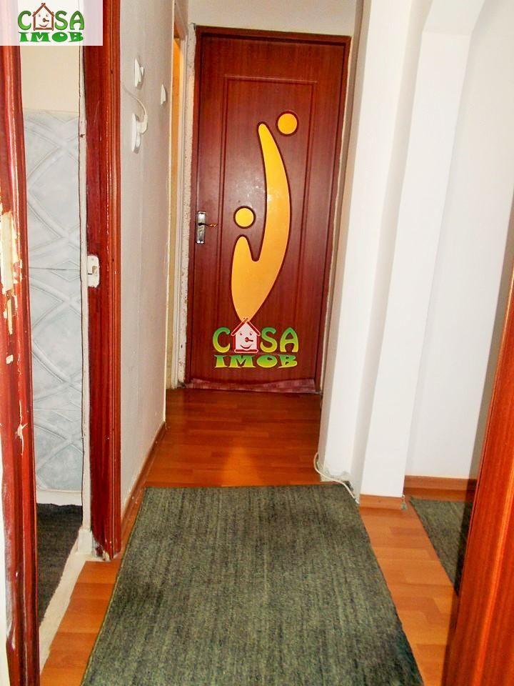 Apartament de vanzare, Dâmbovița (judet), Micro 11 - Foto 8