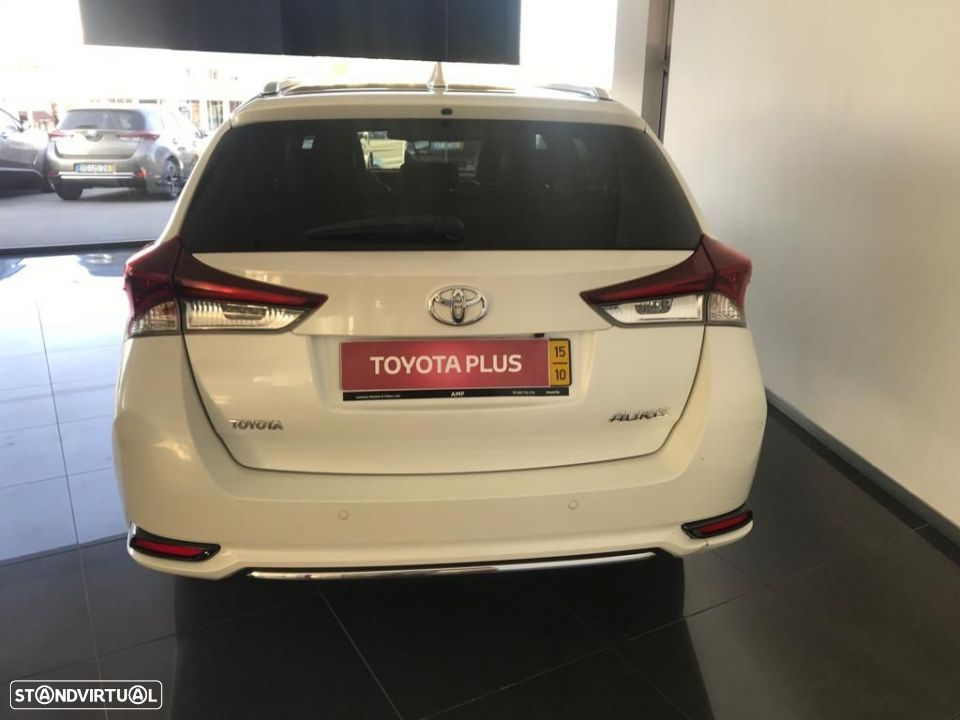 Toyota Auris Touring Sports 1.6D Exclusive Navi - 4