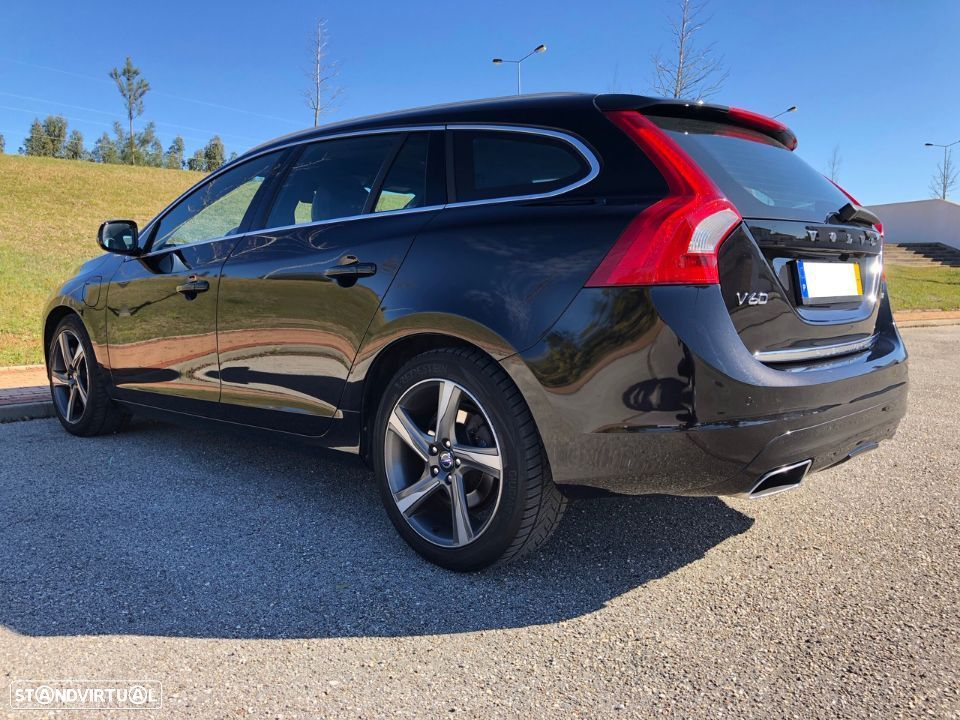 Volvo V60 PLUG-IN HYBRID – FULL EXTRAS + IVA DEDUTÍVEL - 1