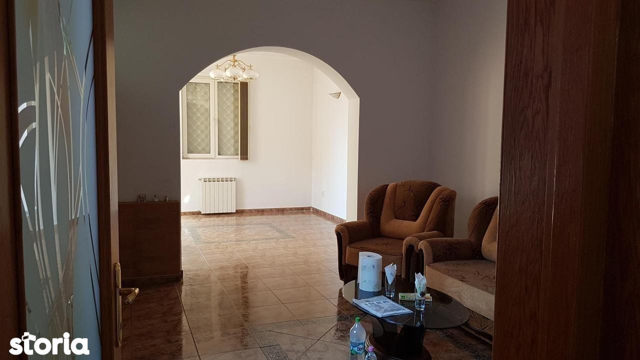Casa de inchiriat, București (judet), Strada Episcopul Chesarie - Foto 3