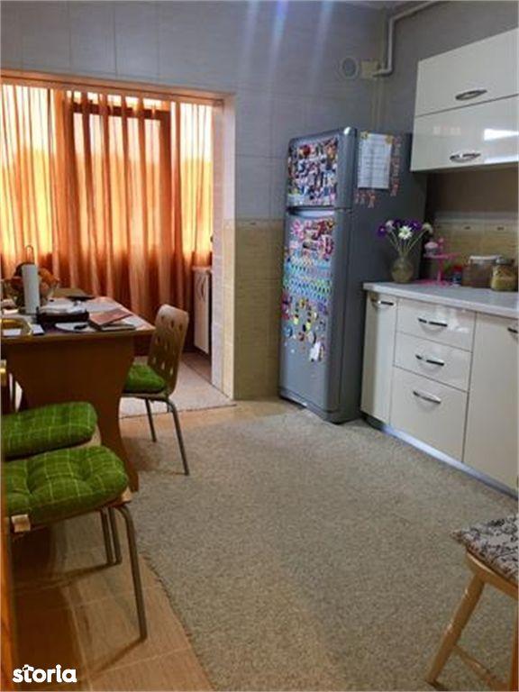 Apartament de vanzare, Argeș (judet), Aleea Seneslau - Foto 9