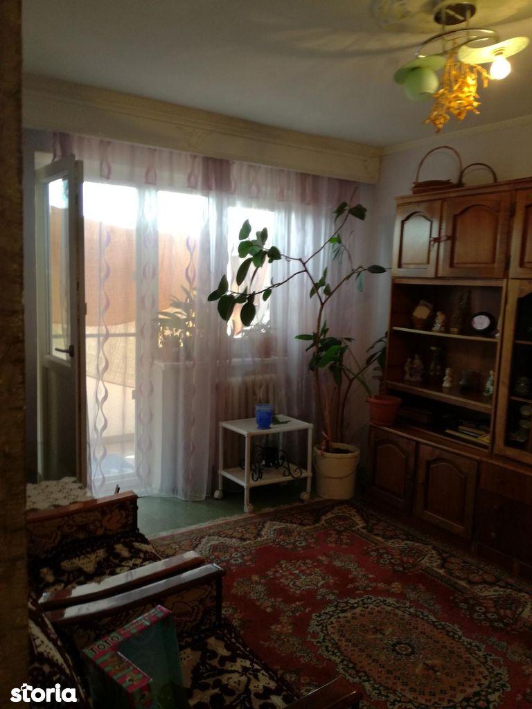 Apartament de vanzare, Vâlcea (judet), Ostroveni - Foto 4