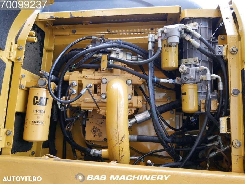 Cat 330CL Nice and clean machine - 9