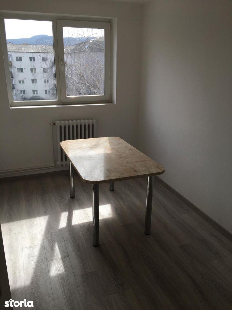 Apartament de vanzare, Bistrița-Năsăud (judet), Decebal - Foto 5