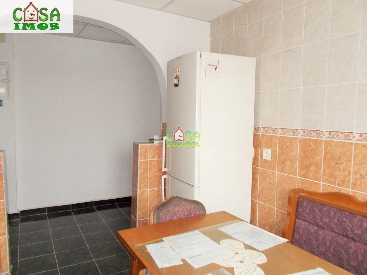 Apartament de vanzare, Dâmbovița (judet), Centru - Foto 5