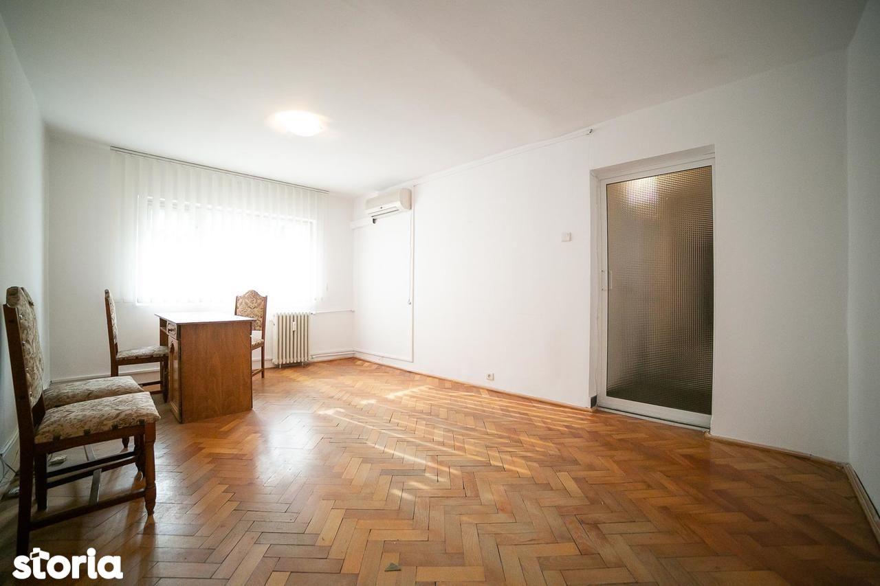 Apartament de vanzare, Arad (judet), Strada Cornel Radu - Foto 1