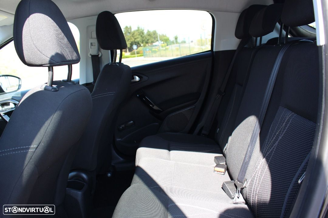 Peugeot 208 1.4 HDi Active - 28