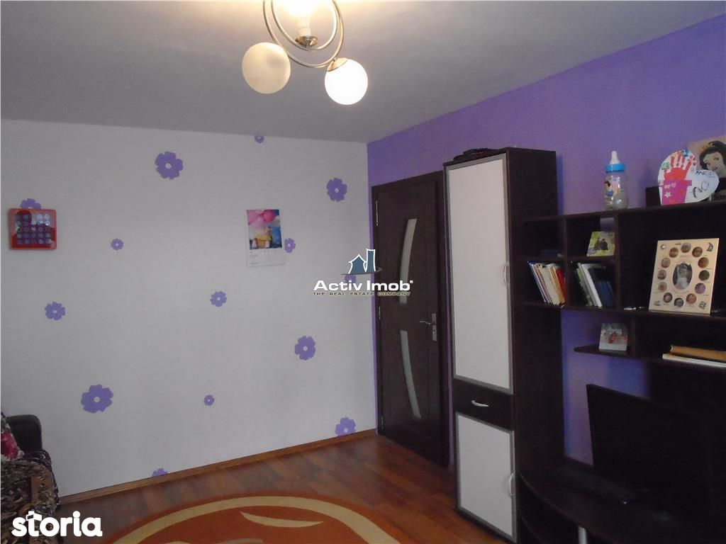Apartament de vanzare, Resita, Caras-Severin - Foto 2