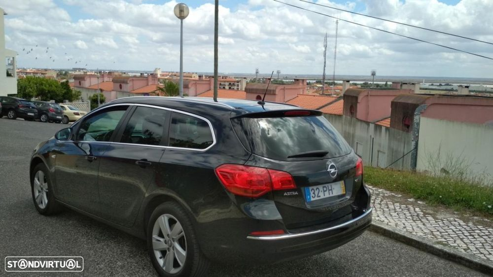 Opel Astra Sports Tourer 1.6 CDTi Executive S/S - 4