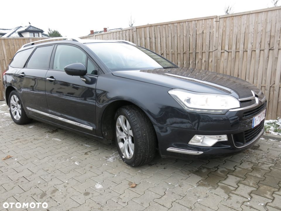 Citroën C5 2.0hdi exclusive navi skóra led alu lift! - 7