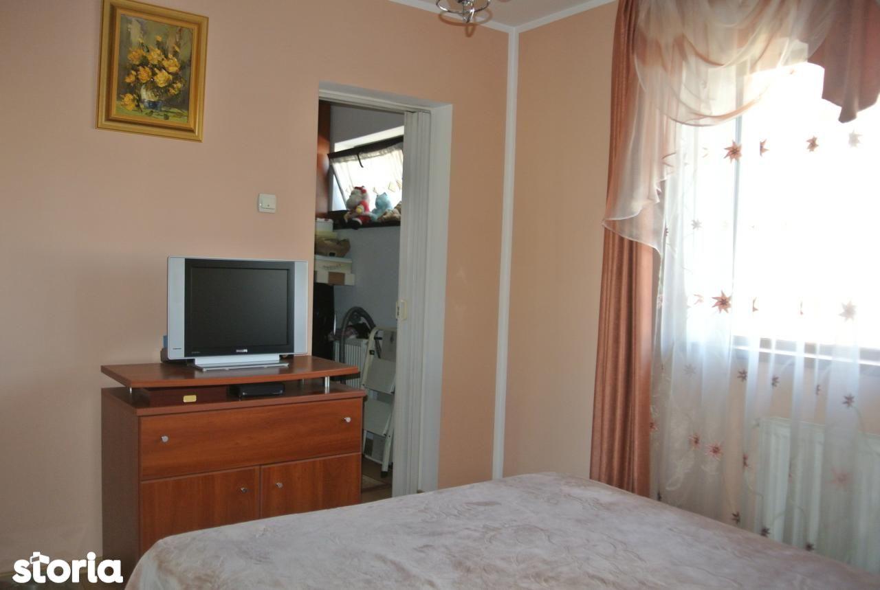 Apartament de vanzare, Argeș (judet), Banat - Foto 6