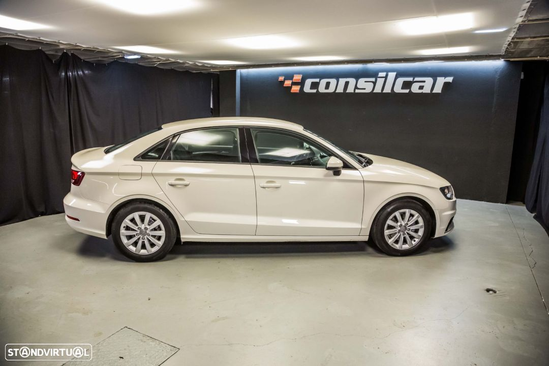 Audi A3 Limousine 1.6TDI M6 Attraction Pack - 9