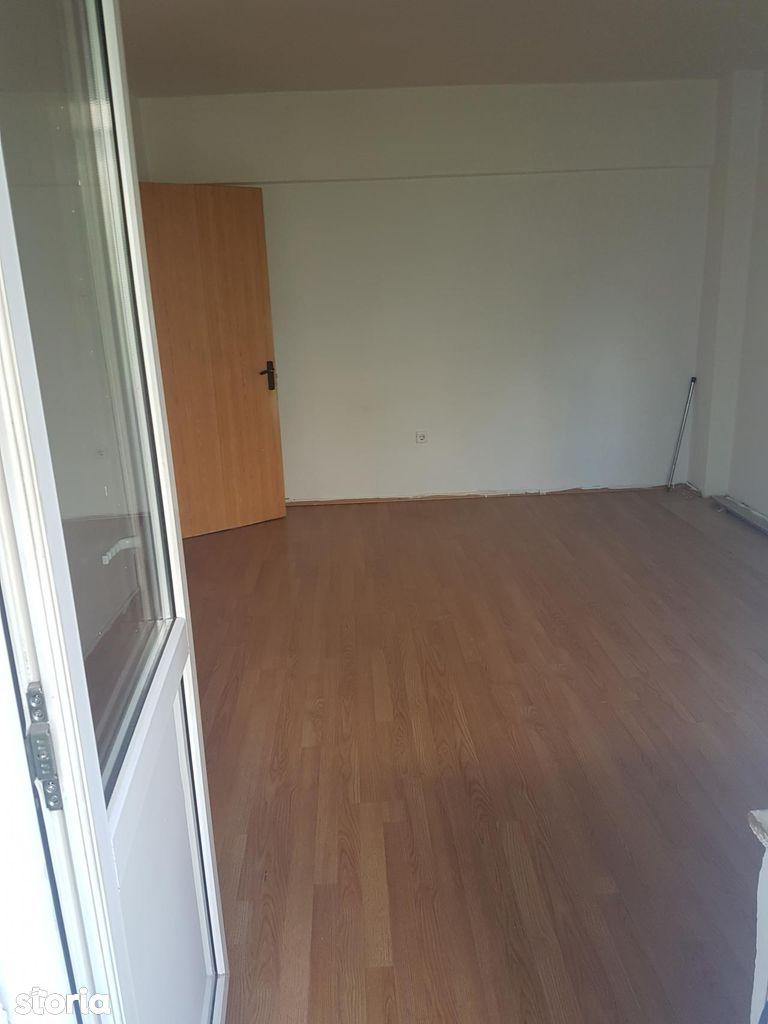 Apartament de vanzare, Vâlcea (judet), Râmnicu Vâlcea - Foto 1