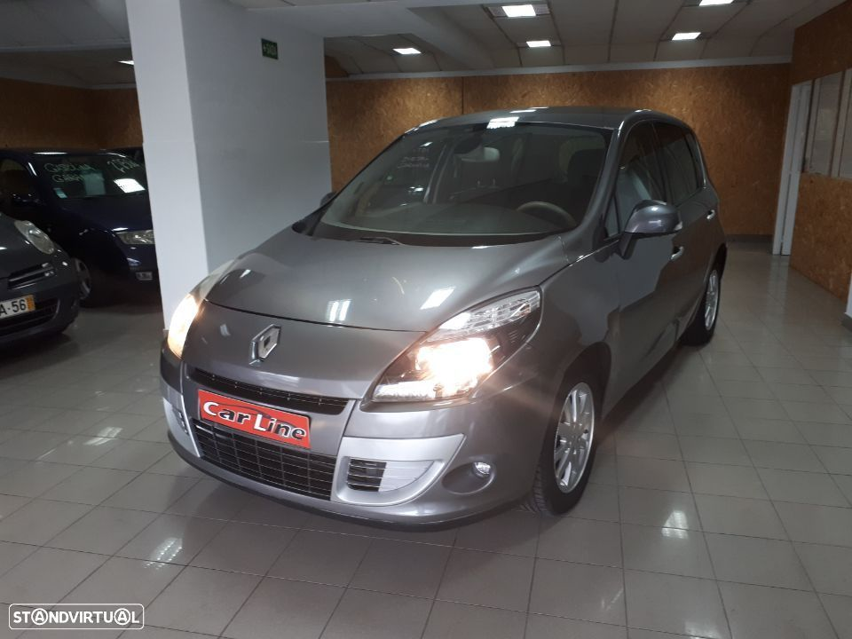 Renault Scénic 1.5 dCi Luxe - 1