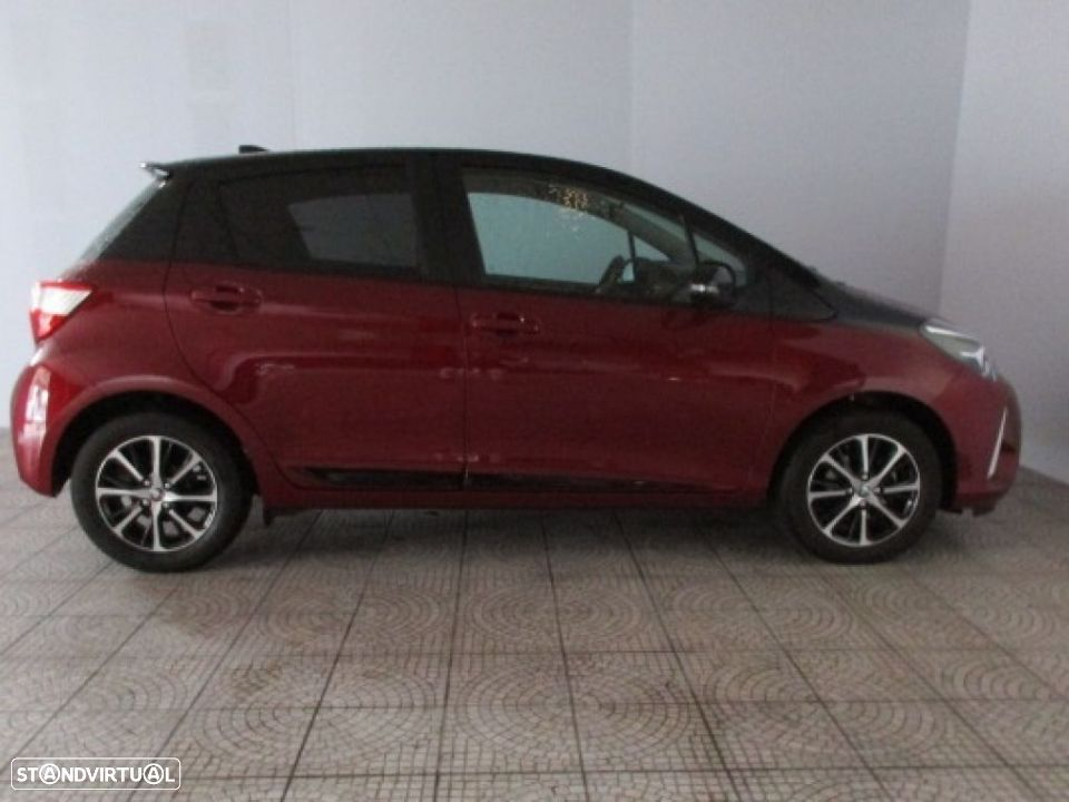 Toyota Yaris 1.0 5P SQUARE Collection - 16