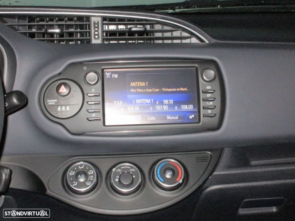 Toyota Yaris 1.0 5P SQUARE Collection - 7