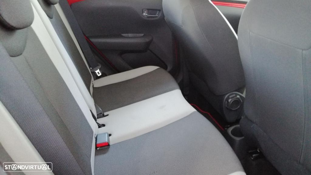 Toyota Aygo 5P 1.0 x-play + A+ x-touch - 15