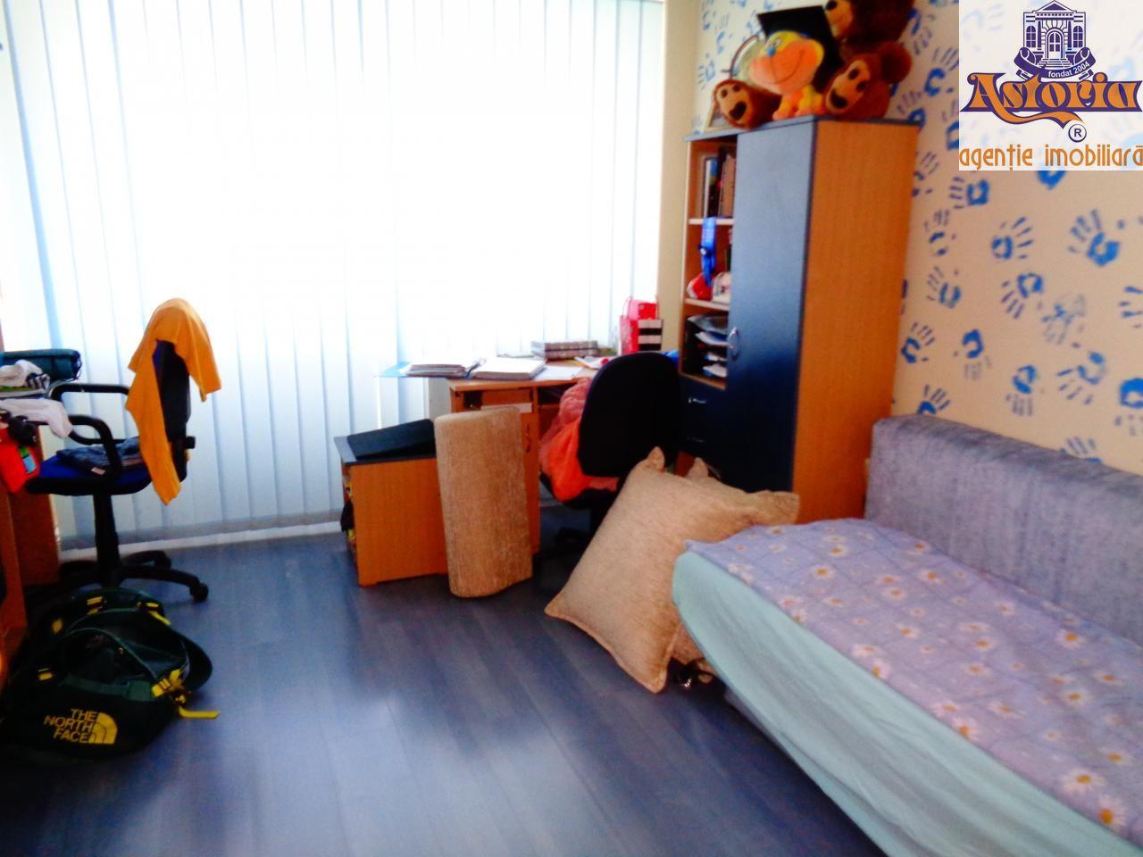 Apartament de vanzare, Argeș (judet), Banat - Foto 8