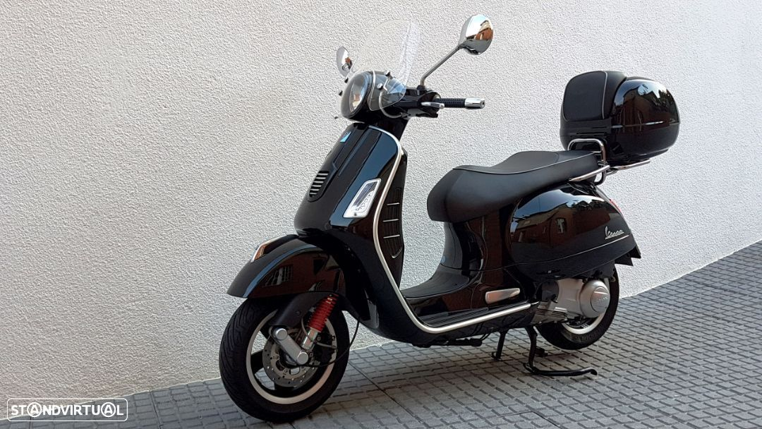 Vespa GTS Super 300 ie - 12