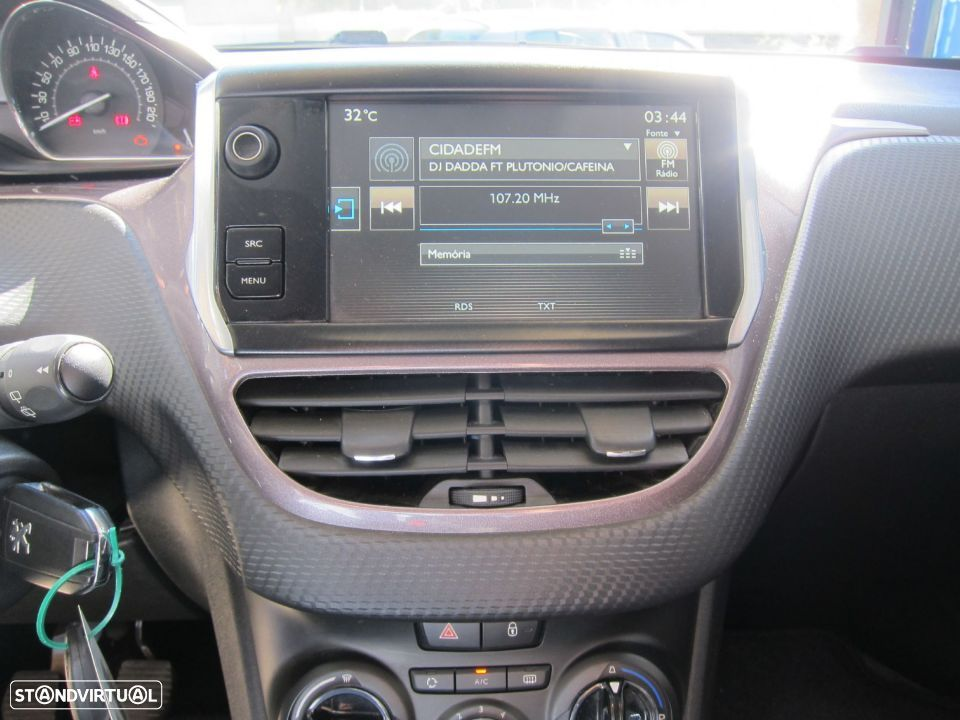 Peugeot 2008 1.4 HDi Active - 8