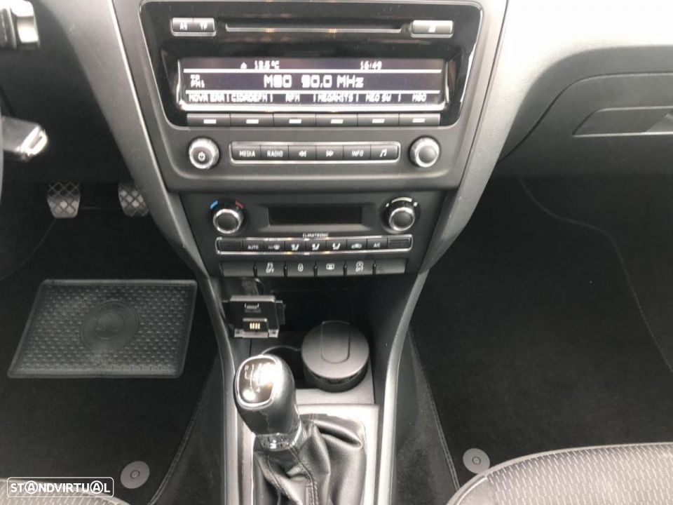 Skoda Rapid Spaceback 1.6 TDi Ambition - 31