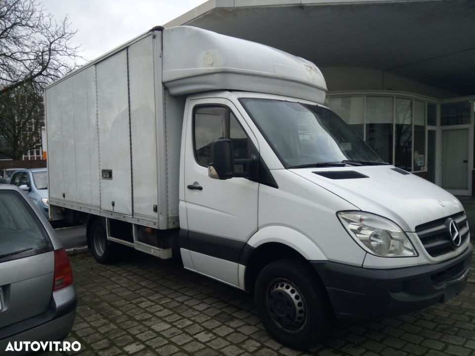 Mercedes-Benz SPRINTER 524 - 7