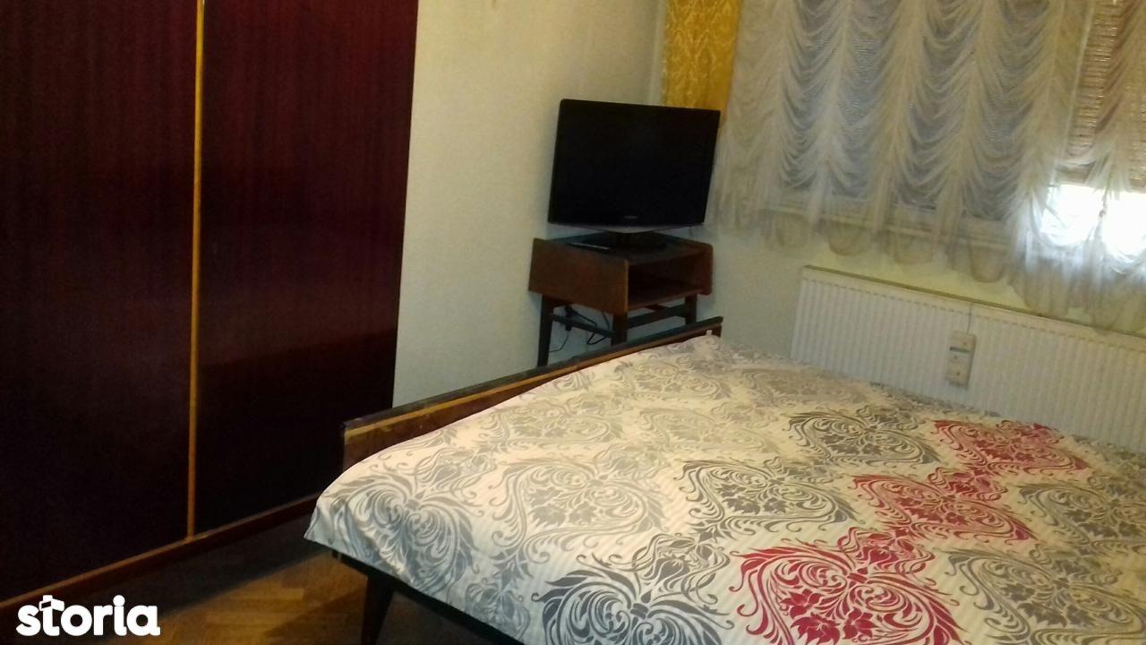 Apartament de vanzare, Prahova (judet), Strada Radu Stanian - Foto 1
