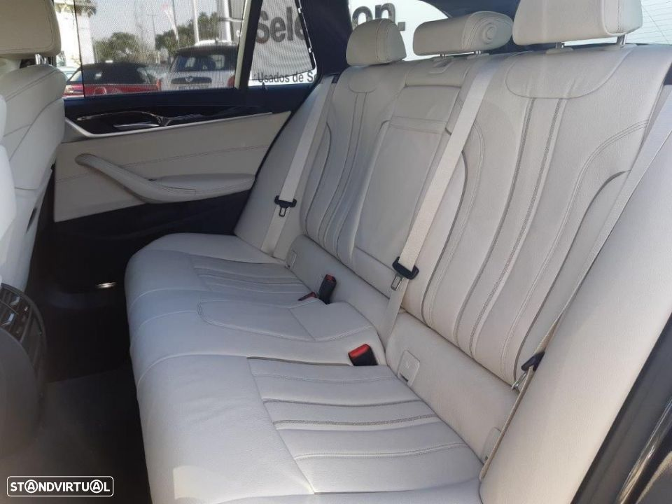 BMW 530 d Touring Auto Pack M - 12