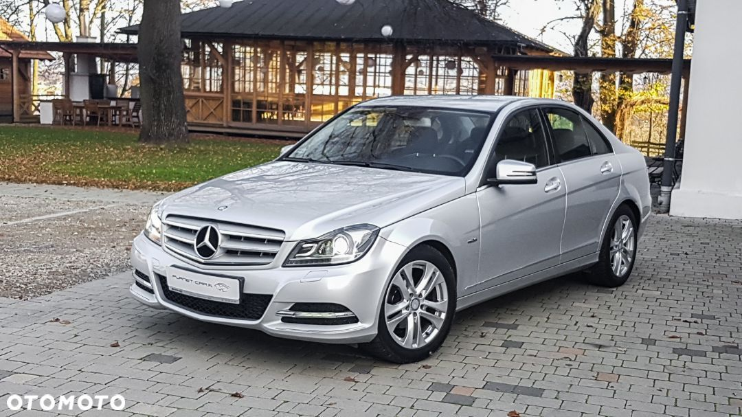 Mercedes-Benz Klasa C 2011 W204 Sedan FaceLift 180 CGI Blue 156KM Navi Xenon Full Serwis - 1