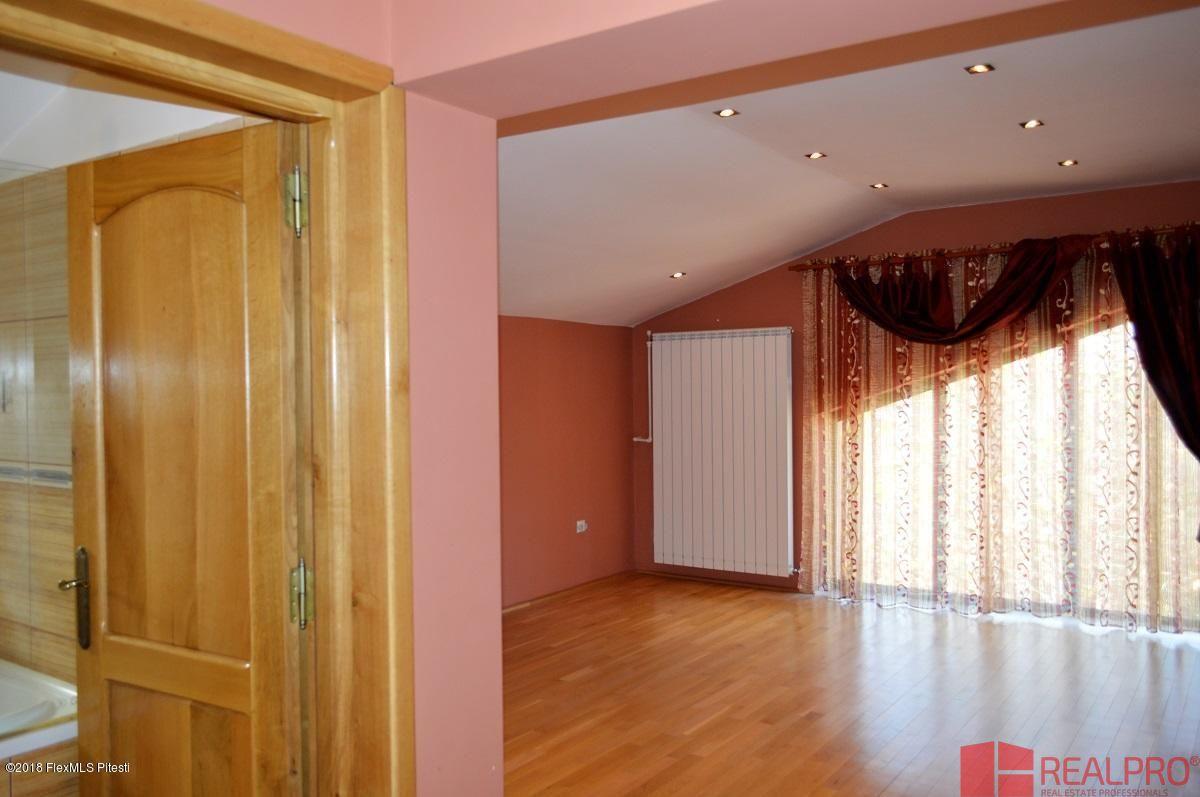 Casa de vanzare, Argeș (judet), Intrarea Căliman - Foto 6