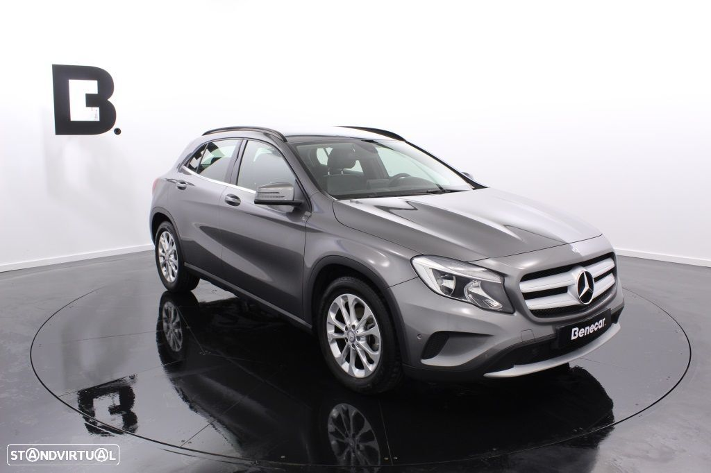 Mercedes-Benz GLA 180 Sport Utility Vehicle Style - 11