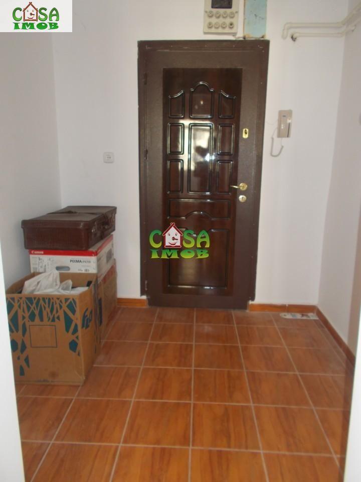 Apartament de vanzare, Dâmbovița (judet), Micro 6 - Foto 10