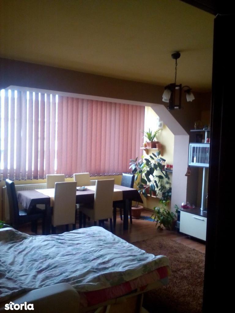 Apartament de vanzare, Maramureș (judet), Strada Florilor - Foto 1