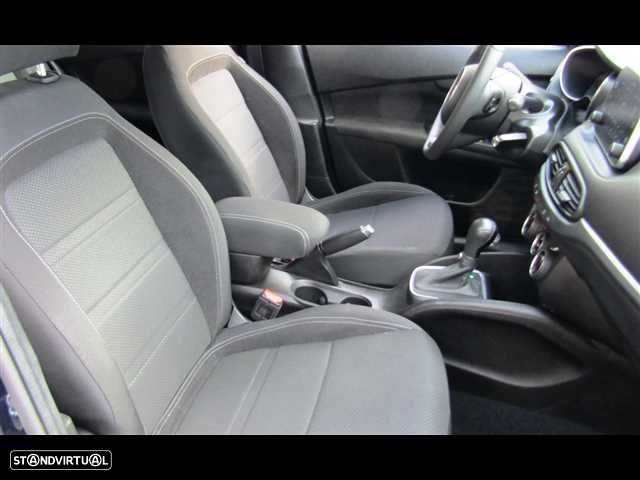 Fiat Tipo Station Wagon 1.6 M-Jet Lounge DCT - 9