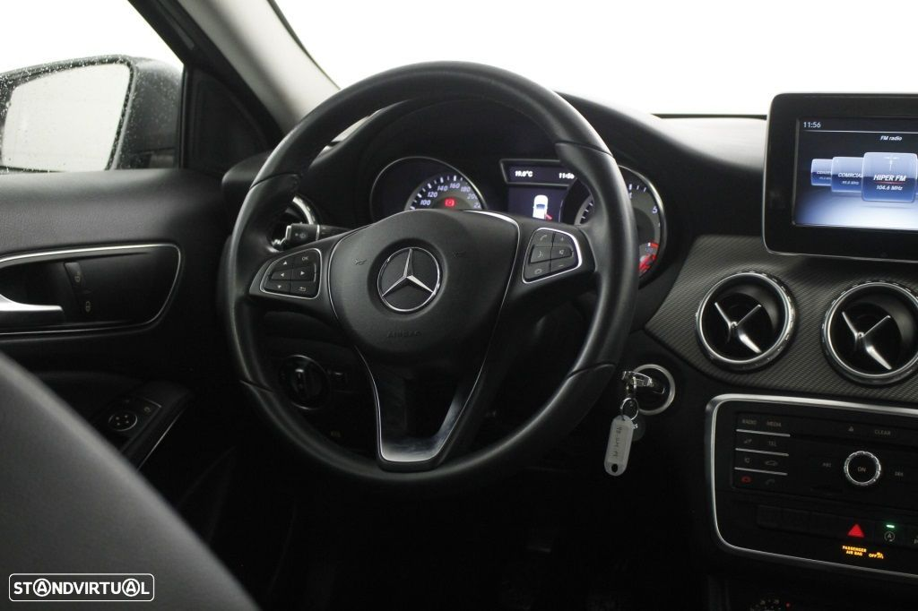 Mercedes-Benz GLA 180 Sport Utility Vehicle Style - 16