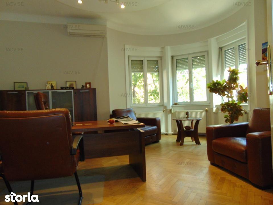 Casa de vanzare, Brașov (judet), Strada Nicolae Titulescu - Foto 1
